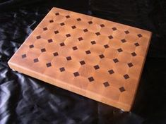 Beautiful end grain maple cutting board. This cutting board shows awesome grans in the maple wood. Wooden Chopping Boards, Wood Cutting Boards, End Grain Cutting Board, Butcher Block Cutting Board, Wood Projects, Woodworking Projects, Woodworking Plans, Carving Board, Product List