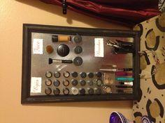 Hanging makeup magnetic board