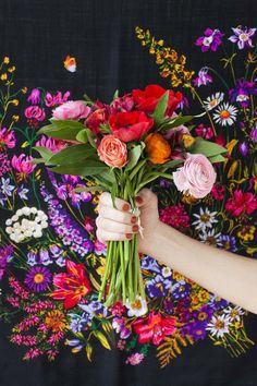 bright flower bouquet and floral background My Flower, Fresh Flowers, Beautiful Flowers, Colorful Flowers, Cut Flowers, Ur Beautiful, Rainbow Flowers, Flower Bomb, Wedding Bouquets