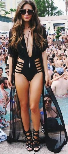 what to wear las vegas pool party Pool Party Outfits, Summer Outfits, Cute Outfits, Las Vegas Pool Party Outfit, Vegas Outfits, Edgy Outfits, Black Monokini, Vegas Style, Fashion Outfits