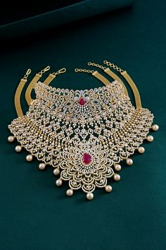 Krishna Jewellers, Pearls and Gems has a legacy of 30 years in the Jewellery industry. One of the finest jewellery shops in Hyderabad. Fancy Jewellery, Gold Jewellery Design, Jewellery Shops, Indian Bridal Jewelry Sets, Bridal Jewellery, Pearl Necklace Designs, Beaded Jewelry, 80s Jewelry, Jewelry Mirror