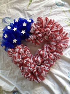 """TH OF JULY PATRIOTIC DECO MESH RIBBON DOOR WREATH 19"""" RED WHITE BLUE HOLIDAY"""