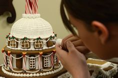 Soldiers create gingerbread house of U.S. Capitol in exquisite ...
