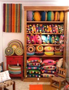 Practical ways to store pillows 00132 Kids Pillows, Throw Pillows, Deco Boheme, Pillow Fabric, Boutique Design, Soft Furnishings, Boho Decor, Bunt, Diy Home Decor