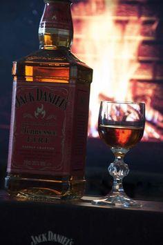 Cynamonowy Jack Daniel's Tennessee Fire rozgrzewa swoim ogniem :) #JackDaniels #JackFire #OgnistyJack #streetcom