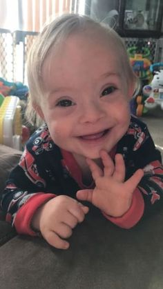 baby with Down syndrome wins Gerber baby of the year - KHOU: KHOU First baby with Down syndrome wins Gerber baby of the year KHOU… Cute Toddlers, Cute Kids, Cute Babies, Baby Kids, Beautiful Children, Beautiful Babies, Beautiful Eyes, Gerber Baby Contest, Babies With Down Syndrome