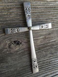 Fork Art, Spoon Art, Jewelry Crafts, Jewelry Art, Fork Jewelry, Bullet Jewelry, Recycled Silverware, Sculpture Metal, Cross Crafts