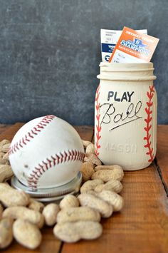 Gift for Danny father's day. play ball mason jar chalk paint crafts how to mason jars repurposing upcycling Diy Father's Day Gifts Easy, Father's Day Diy, Mason Jar Crafts, Mason Jar Diy, Bottle Crafts, Diy For Kids, Gifts For Kids, Tarjetas Diy, Baseball Crafts