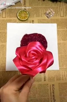 Paper Flowers Craft, Flower Crafts, Fabric Flowers, Diy Flowers, Paper Craft, Wedding Flowers, Diy Crafts For Gifts, Creative Crafts, Kids Crafts