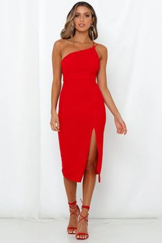 Strike a pose and show off them curves with our stunning Taking It Back Dress. Shop Now And Get Express Shipping Worldwide! Midi Dress With Slit, Dress Red, Winter Dresses, Formal Dresses, Crepe Fabric, Hey Girl, Dress Backs, Dress To Impress, Outfits