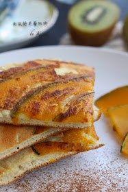 Pumpkin Souffle Pancake【8 款香软好吃的南瓜糕点做法】金灿灿,香喷喷,美味诱人,让你胃口大好!