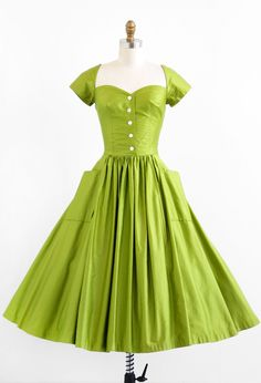 Dress 1950s so love this shade of green