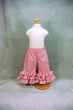 triple ruffle pants..these are what I want to make
