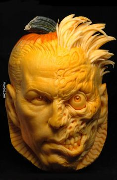ComicVine Site Mashup - DC Entertainment Takes Pumpkin Carving to a New Level 3d Pumpkin Carving, Awesome Pumpkin Carvings, Food Carving, Pumpkin Art, Pumpkin Faces, Pumpkin Head, Batman Pumpkin, Pumpkin Painting, Halloween Pumpkins