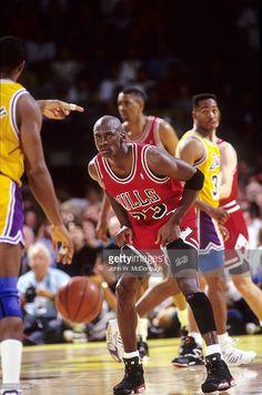 Fotografia de notícias : Chicago Bulls Michael Jordan in action vs Los...
