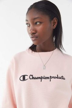Champion & UO Script Crew-Neck Sweatshirt Fall Winter Outfits, Crew Neck Sweatshirt, Casual Dresses, Fitness Models, Champion, Dressing, Athleisure, Sweatshirts, Long Sleeve