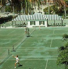The Everglades Tennis Club in Palm Beach, Florida, Slim Aarons Slim Aarons Prints, Beach Tennis, Tennis Party, Vintage Tennis, Vintage Sport, Palm Beach Fl, Tennis Clubs, Old Money, Summer Aesthetic