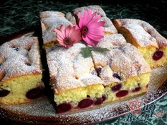 Sponge cake with cherries - Gebu - Kuchen Fall Desserts, No Bake Desserts, Dessert Recipes, German Baking, Cheesecake, Bakers Gonna Bake, Vegetarian Breakfast Recipes, Gateaux Cake, Biscuit Cake