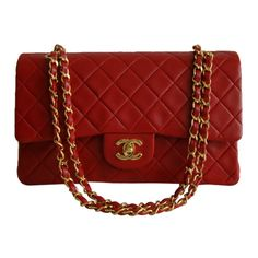 Pre-Owned Chanel 2.55 Red Double Flap Bag Gold Hw (53,290 MXN) ❤ liked on Polyvore featuring bags, handbags, chanel, bags., red, chain strap purse, colorful purses, shoulder strap purses, pre owned handbags and colorful handbags