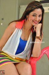 Shilpi Sharma Spicy Thigh Show Pics