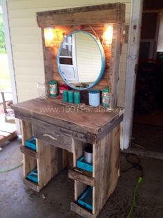 Old Pallets Ideas Makeup Vanity Made From Reclaimed Wooden Pallets Other Pallet Projects Pallet Desks Pallet Desk, Wooden Pallet Projects, Wooden Pallet Furniture, Pallet Crafts, Diy Furniture, Diy Projects, Pallet Tables, Diy Pallet Vanity, Furniture Projects