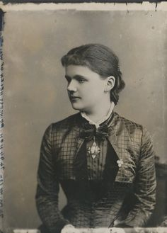 Princess Helena of Waldeck and Pyrmont, Duchess of Albany c.1880 (Royal Collection)