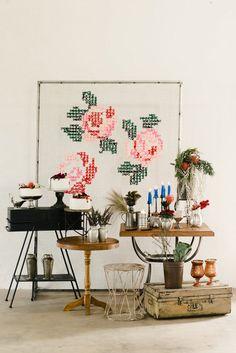 Backdrop para casamento com flores e croche