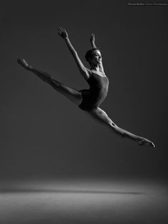 Clara Soley, Wiener Staatsballett, by Ronnie Boehm Photography (2013).