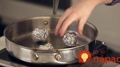 Cooking with balls of aluminum foil - steaming vegetables without a steamer! German Chocolate Cake Mix, Dark Chocolate Chips, Baking Pans, Steam Recipes, Tapas, Cake Ingredients, Cheap Meals, Kitchen Aid Mixer, Scrappy Quilts