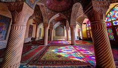 Photographs of Iranian Mosques taken by photographer Mohammad Domiri