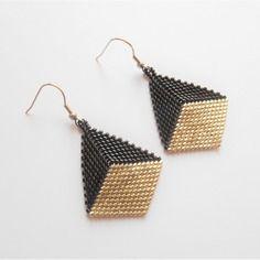 Boucles d'oreilles en forme de diamant / perles miuyki noir et argenté / crochet en acier inoxydable