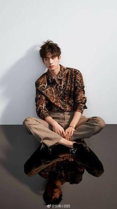 29 Ideas fashion model men hot guys for 2019 Fashion Models, Fashion Model Poses, Trendy Fashion, Korean Fashion, Mens Fashion, Catwalk Fashion, Couple Ulzzang, Asian Male Model, Song Wei Long