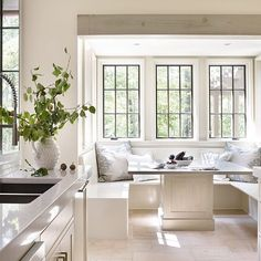If not steel windows (spendy, inefficient) then look up Pella Fiberglass in Black.   One word. Obsessed! Beautiful work as always @jeffreydungan!  I need to know all about steel Windows, who are my experts? Tell me what you love about them. Pros, cons?