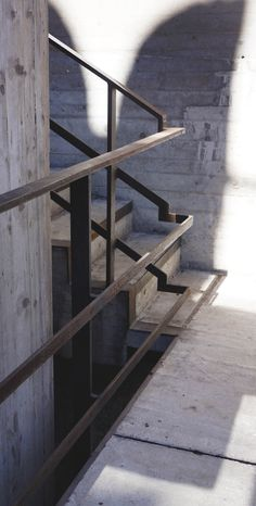 Stairs Design Architecture Carlo Scarpa 35 Ideas For 2019 Stair Handrail, Staircase Railings, Staircase Design, Stairways, Carlo Scarpa, Stair Detail, Concrete Stairs, Stair Steps, Sendai