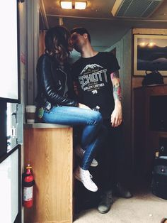 Brendon and Sarah Urie. Look at this connection. This is the kind of love people dream about.