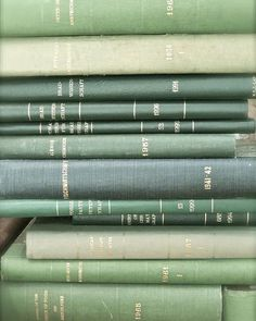Mint Green Aesthetic, Aesthetic Colors, Aesthetic Pictures, Aesthetic Art, Aesthetic Vintage, Aesthetic Backgrounds, Aesthetic Wallpapers, Verde Vintage, Green Library