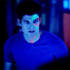 Daniel Sharman as Isaac Lahey Stiles Teen Wolf, Teen Wolf Isaac, Teen Wolf Boys, Teen Wolf Memes, Sterek, Daniel Sharman Teen Wolf, Tenn Wolf, Meninos Teen Wolf, Only Teen