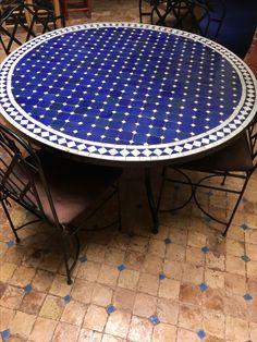 Marrokaanse mozaïek tafel in Marrakech