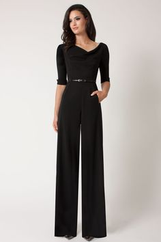This Sleeve Jackie Jumpsuit by Black Halo is long, wide-legged, elegant, and just perfect! Formal Jumpsuit, Black Jumpsuit, Black Romper, Denim Romper, Elegant Jumpsuit, Black Pants, Mode Monochrome, Classy Outfits, Vintage Outfits