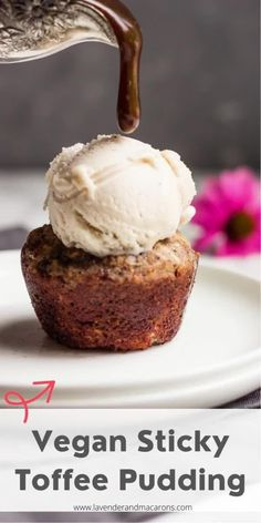 Vegan Sticky Toffee Pudding is a type of dessert that is sure to be enjoyed by vegans and non-vegans alike. Classic English dessert gets a vegan makeover, no one would even expect it's healthy. English Desserts, English Recipes, English Food, Types Of Desserts, Fancy Desserts, Holiday Desserts, Vegan Dessert Recipes, Healthy Recipes, Greek Yogurt Dessert