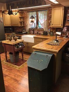 our country homes argyle Primitive Homes, Kitchen Decor, Beautiful Kitchens, Home, Kitchen Design, Country Kitchen Designs, Kitchen Remodel, Rustic Kitchen, Primitive Kitchen
