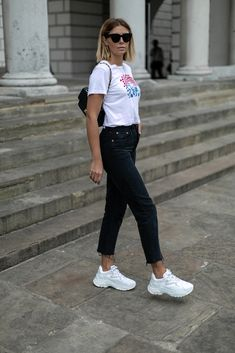 re done t-shirt, re done strovepipe jeans, celine baby audrey 1879eb004e1