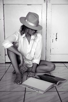 chic hat & classic white shirt #style #fashion