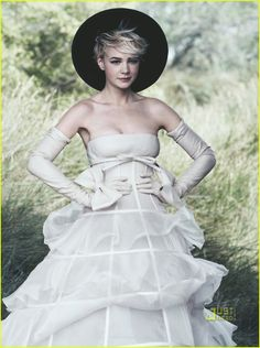Google Image Result for http://cdn04.cdn.justjared.com/wp-content/uploads/2010/09/carey-vogue/carey-mulligan-vogue-october-2010-cover-07.jpg