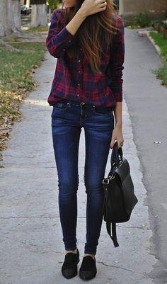 Fall / winter - street style - red checkered shirt + skinnies + black flats + large black handbag