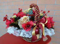 CESTO Matilde - PatriziaB.com  Cesto decorativo di esclusiva eleganza, realizzato dall'abilità artigiana di Patrizia in calde tonalità rosso e oro