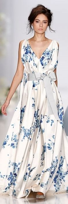 Igor Gulyaev Spring 2014 Collection Billie could definitely pull off this ethereal number, very boho chic.