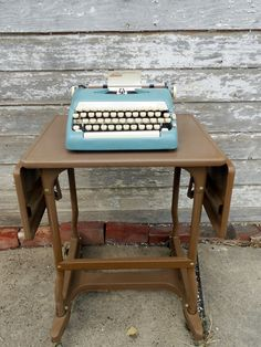 Typewriter stand--fun side table idea