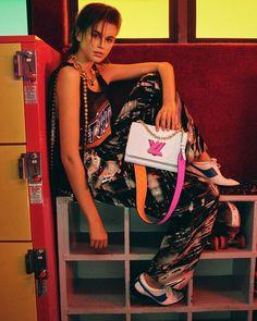 LOUIS VUITTON SUMMER 2021 TWIST HANDBAG CAMPAIGN FILM #LouisVuitton #LV #LVTwist #KaiaGerber Kaia Jordan Gerber, Kaia Gerber, Skin Care Spa, Louis Vuitton, Img Models, Female Models, Attitude, Photoshoot, Seasons
