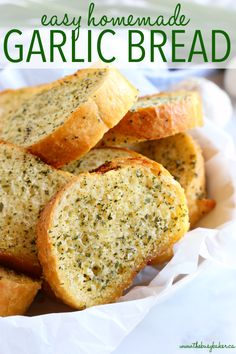 This Easy Homemade Garlic Bread belongs on every family's table! It's SO easy to… This Easy Homemade Garlic Bread belongs on every family's table! It's SO easy to make and it's delicious alongside your. Make Garlic Bread, Homemade Garlic Bread, Garlic Bread Recipe With Garlic Powder, Garlic Bread Recipe Oven, Garlic Butter Bread, Garlic Toast Recipe, Garlic Bread Spread, Garlic Sauce, Pizza